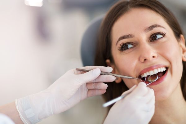 Can A Dentist In Huntersville Apply Fluoride To A Patient&#    ;s Teeth?